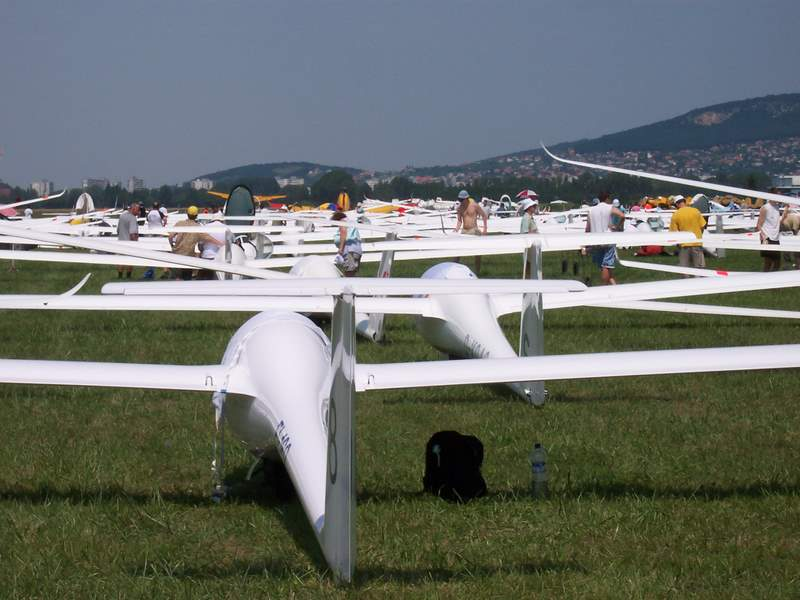 Launching grid at European Championships 2005